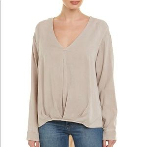 H by BORDEAUX V NECK PLEATED FRONT HEM TOP NWT M